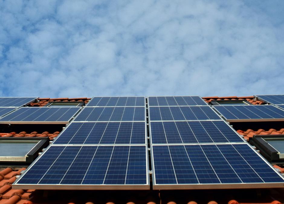 Dopłaty, dofinansowania, programy, ulgi z jakich można skorzystać montując instalacje PV